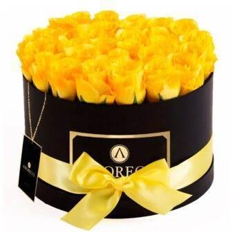 caja grande con rosas amarillas Amorecci