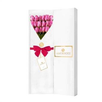 Rosas fucsias en caja blanca