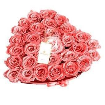 Rosas rosadas en corazon