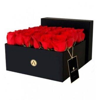 caja elegante de rosas
