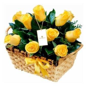 Rosas amarillas canasta Amorecci
