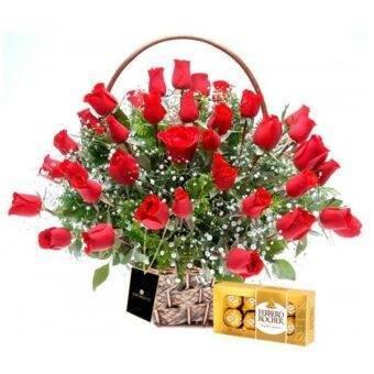 Arreglo de rosass y chocolates Amorecci